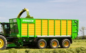 caisse_ensilage_traction_1_.jpg